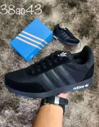 Tênis Adidas preto 42