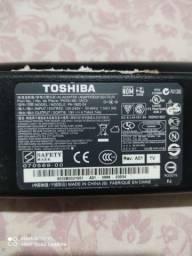 Fonte carregador Toshiba 19v 4.7a.