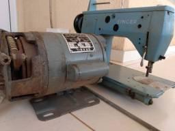 Máquina de bordar industrial usada,antiga. 450 reais