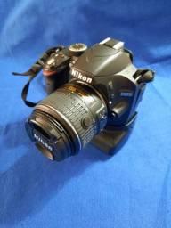 Cámara fotográfica Nikon D3200 C Lente 18:55mm Seminova. 5500 Cliques