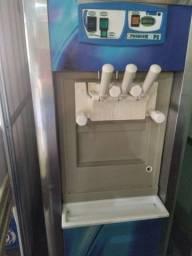 Vendo máquina de sorvete.