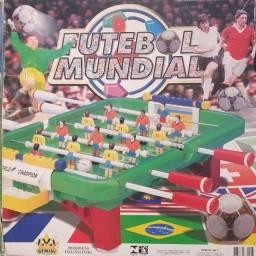 Brinquedo para colecionador (Totó, pebolim infantil, futebol)