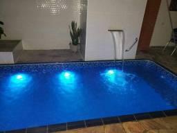 Limpeza manutenção instalação de piscinas e afins