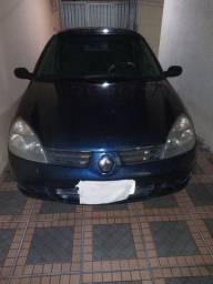 Clio sedan 2006 $ 12.000.00