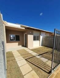 Casa 2 quartos na região do Grama com ampla área externa - Oportunidade!!!