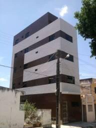 Alugo Apartamento de 02 Quartos no Centro - Próximo ao Açude Velho