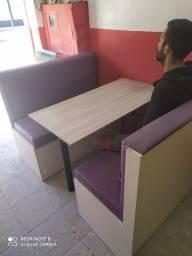 Bancos Booth e mesas