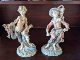 Lindas estátuas antiga em resina
