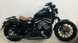 Harley Davidson 883 iron Preta fosca