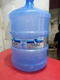 Garrafão de água de 20 litros