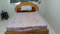 Vendo cama com couchão