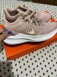 Tênis Nike original TAM 36 na caixa