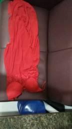 Vendo lingerie longa vermelha
