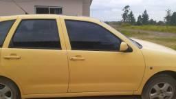 Vendo carro pra tirar peças mil reais