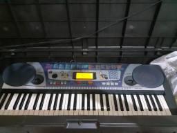 Teclado Yamaha psr260