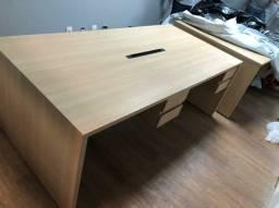 Mesa com tomadas 4 lugares com gavetas