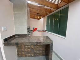 Casa nova com fachada moderna e acabamento de ótima qualidade no bairro Santo Agostinho