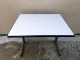 Vendo mesa cinza 0.90 x 0.77
