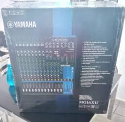 Mesa Yamaha MG 16 XU... 16 canais com efeitos spx e compressor nos CANAIS