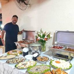 Churrasqueiro com buffet de churrasco