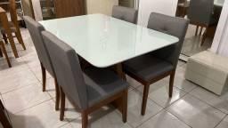 Mesa de 4 lugares nova pintura laka e madeira maciça