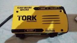 Estou  vendendo está  máquina de souda Simi Nova da tork valor  800 Reais ela é bivolt