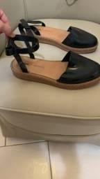 Vendo sandália Melissa