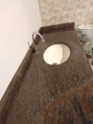 Pia de lavabo com tampo de mármore