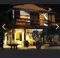 Belíssima e ampla casa bem mobiliada e decorada próx. as piscinas naturais de Porto!