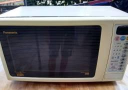 Microondas Panasonic top com grill