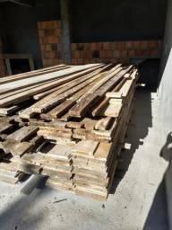 Vendo escoras e madeira para caixaria!