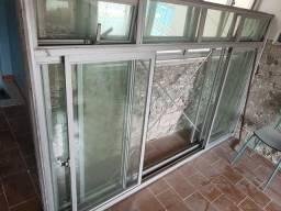 Vendo duas janelas de alumínio
