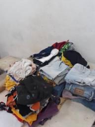 Vendo fardo de roupa