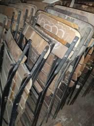 Cadeiras com madeira estragada (10 unidades)