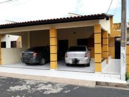 Casa no Condomínio Zeus 2 com armário de cozinha e ar(Locacao/ 3 quartos)