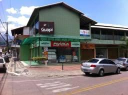 Lojas e Salas no Centro de Guapimirim - Próx. ao Supermercado TerêFrutas, Banco.