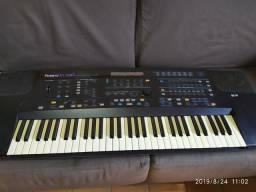 Teclado Roland E86