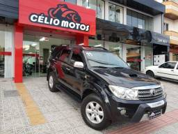 Toyota Hilux SW4 SRV 4X4 7 Lugares - 2011
