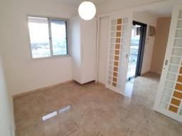 Excelente apartamento na Barra da Tijuca, com 2 quartos (1 suite) Aceito Financiamento