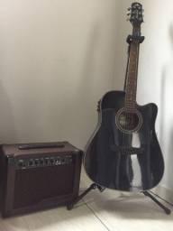 Violão e caixa amplificadora