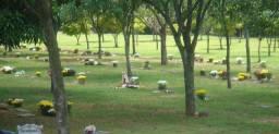 Jazigo no cemitério Parque das Flores