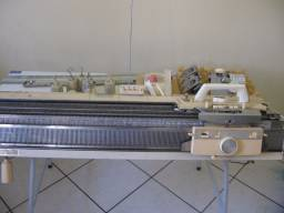 Máquina de tricô Elgin 840 com frontura e muito mais