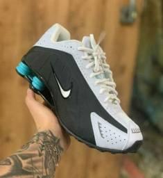 Aproveitem esta Oferta Nike Shox R4 Várias Cores!!!