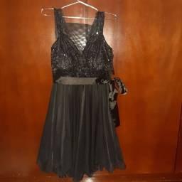 Vestido de festa paetê preto e tule preto