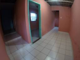 Alugo casa de 2 quartos no alto do Maracanã