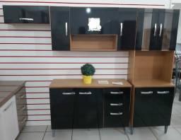 Cozinha compacta completa com balcão