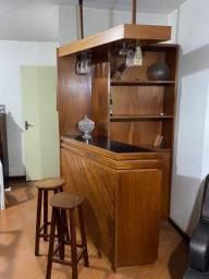 Bar de madeira