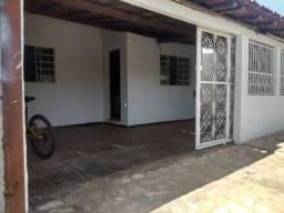 Vendo casa na Qd. 300 Recanto das Emas
