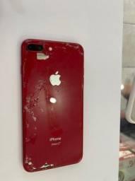 iPhone 8 plus traseira trincada e som baixo 64 gb desbloqueado pra qualquer operadora