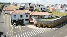 Casa de condomínio para aluguel possui 167 metros quadrados com 3 quartos